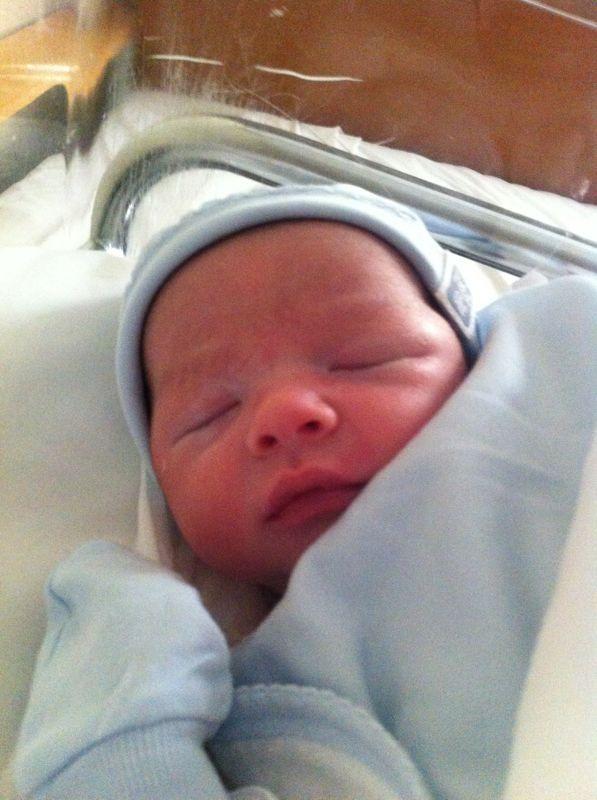 Bosco Aznar Camarasa, Hijo de nuestra Fallera Mayor Marian, ha nacido hoy, 23 de Diciembre a las 19:15 horas